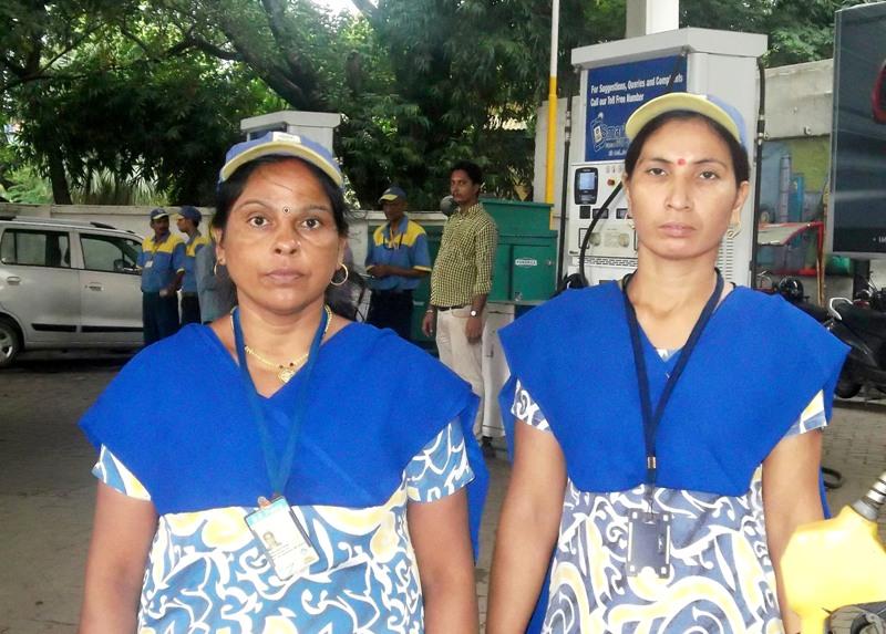 हमने लोगों के हंसने की कभी परवाह नहीं की: चंचला देवी एवं अर्चना कुमारी,पेट्रोलपंप कर्मी,पटना