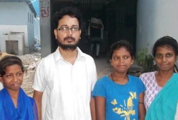 कला दिवस के मौके पर 'हौसला घर' के गरीब बच्चों के बीच बांटी गयी दिवाली की खुशियां