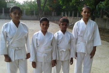 पहले कचड़ा चुनती थीं अब कराटे में गोल्ड जीत रही हैं ये बच्चियां