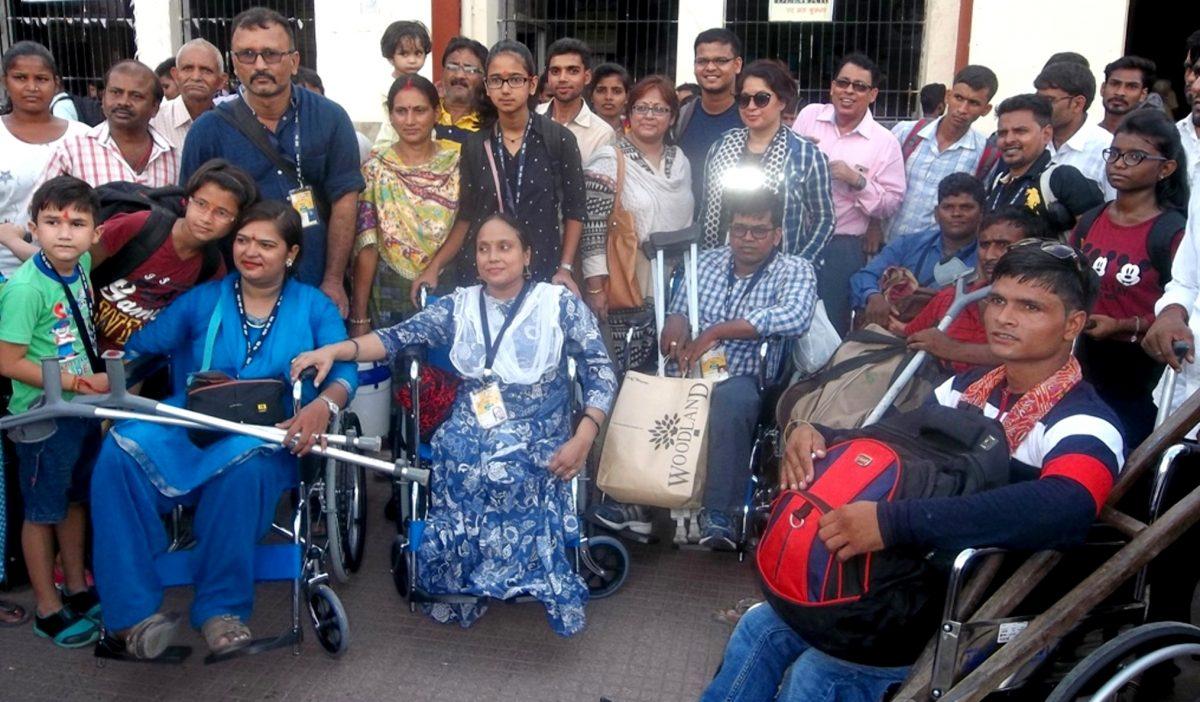 पटना से 40 दिव्यांगों का दल चला वैष्णोदेवी यात्रा पर