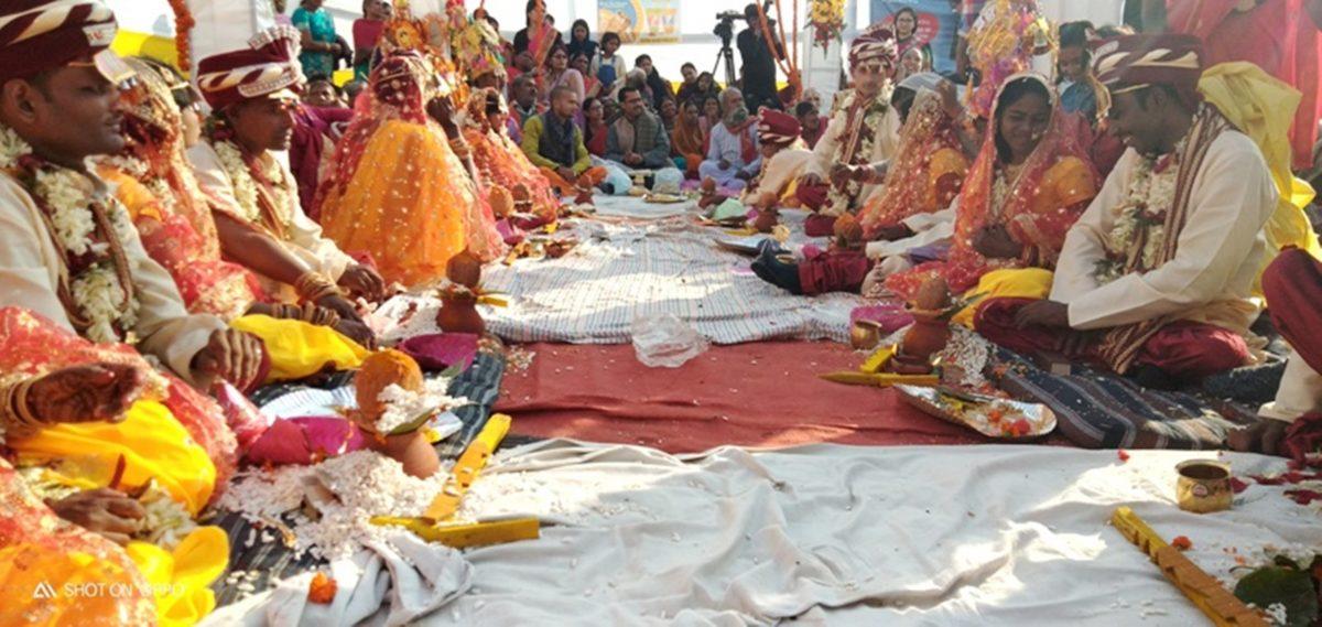 जाति-धर्म से परे समाज को नसीहत दे गया दिव्यांग जोड़ों का सामूहिक 'अनोखा विवाह- 3'